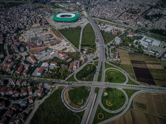 Bursa'da sokağa çıkma kısıtlamasının ardından cadde ve meydanlar boş kaldı