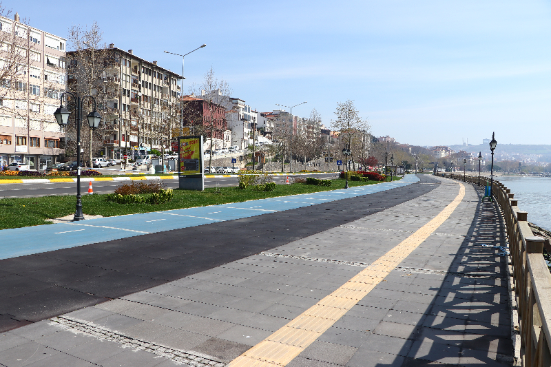 Tekirdağ'da cadde ve sokaklar boş kaldı