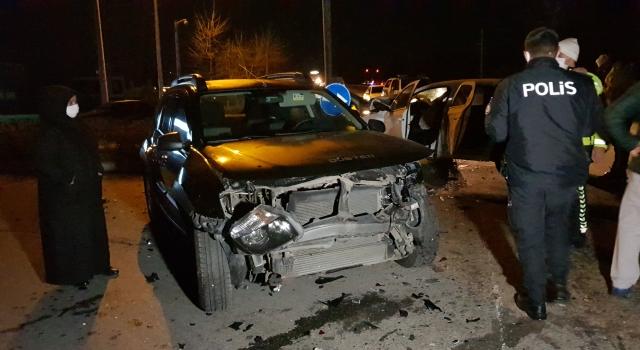 Kocaeli'de zincirleme trafik kazasında 4 kişi yaralandı