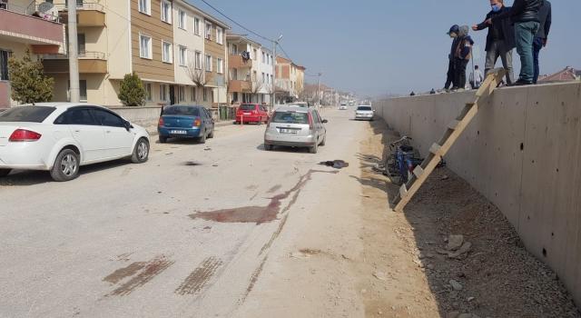 Otomobil ile çarpışan motosiklette bulunan 2 kişi yaralandı