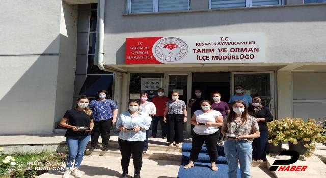 Edirne Valiliği tarafından vatandaşlara 5 bin aşure dağıtıldı