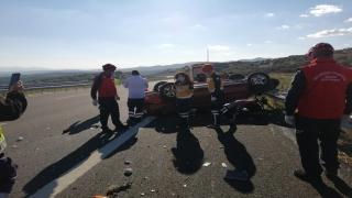 Balıkesir'de bariyerlere çarpan otomobilin sürücüsü yaşamını yitirdi