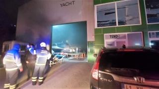 Kocaeli'de yat üretimi yapan fabrikada çıkan yangın söndürüldü
