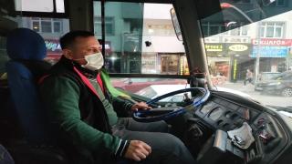 Kocaeli'de HES kodu uyarısı yapan şoföre saldırı güvelik kamerasına yansıdı
