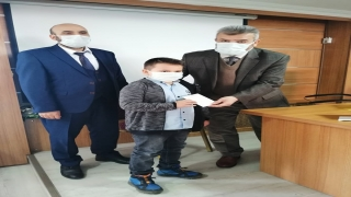 Edremit'te Diyanet Gençlik Koordinatörlüğünce çeşitli yarışmalarda dereceye giren öğrenciler ödüllendirdi