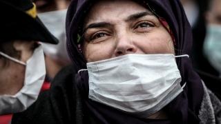 Zeytin Dalı Harekat bölgesindeki saldırıda şehit olan uzman çavuş Çakır'ın cenazesi Bursa'da toprağa verildi