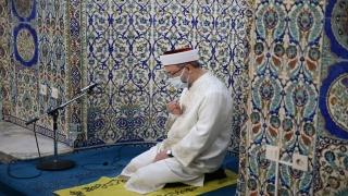 Diyanet İşleri Başkanı Erbaş, Sakarya'da Kadir Gecesi dolayısıyla dua etti