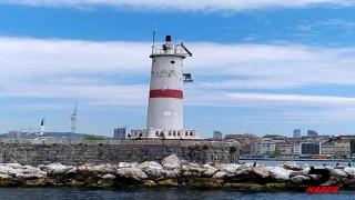 Kıyı Emniyeti bu kez, deniz fenerine takılan karabatağı kurtardı
