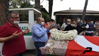Cumhuriyet öğretmeni asırlık çınar Kıymet Gazez vefat etti