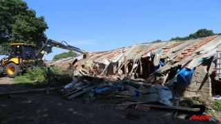İğneada longoz ormanlarındaki kaçak yapılar yıkıldı