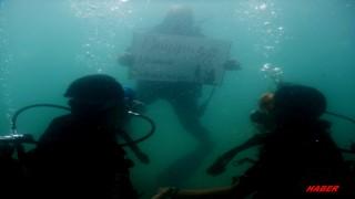 Saros Körfezi'nde su altında evlilik teklifi